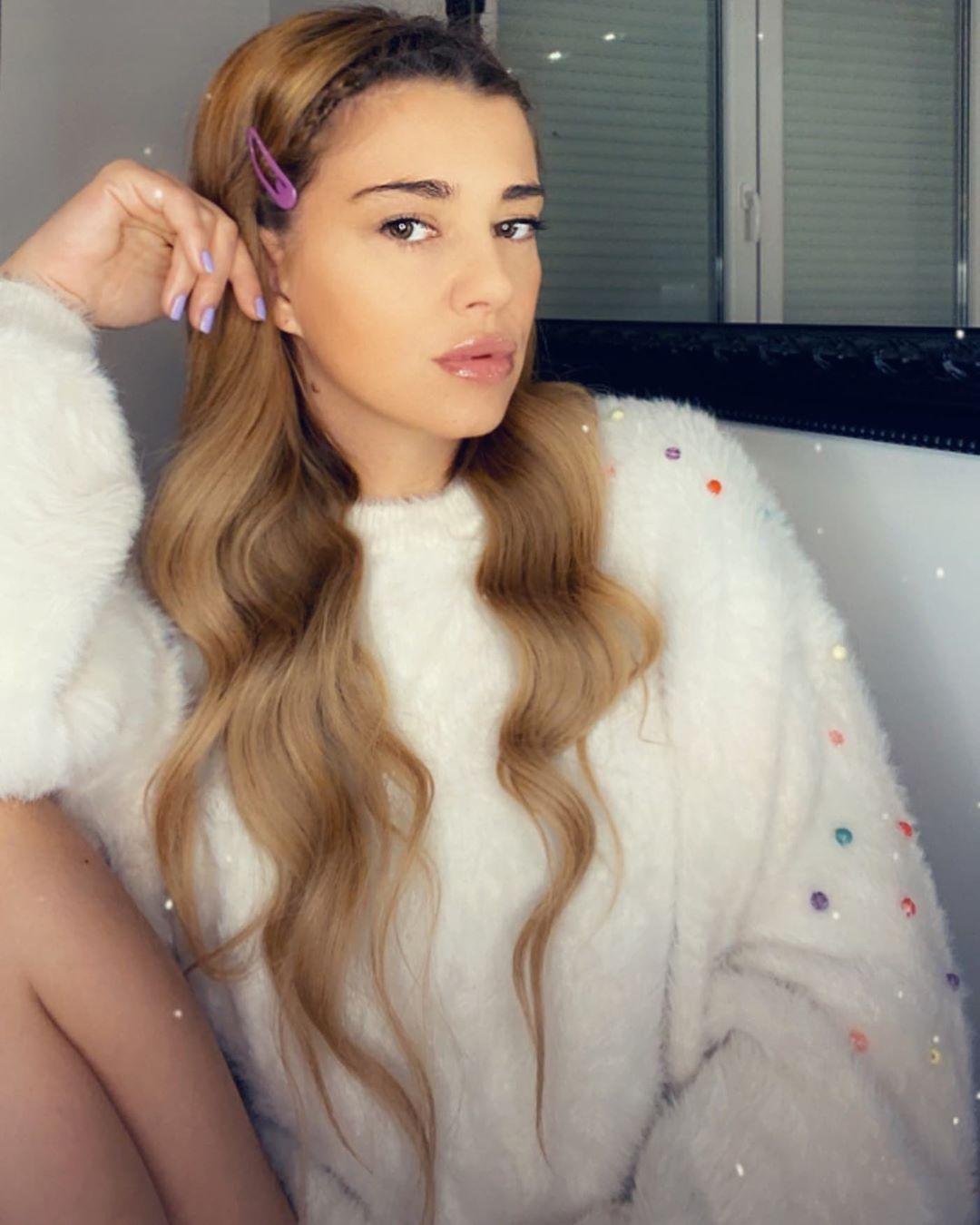 Kija Kockar pozirala u donjem vešu: Pevačica ima telo boginje! (FOTO)