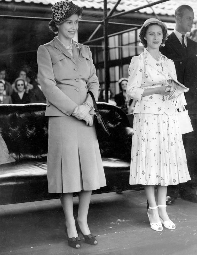Margaret sa sestrom - kraljicom Elizabetom tokom polo meča