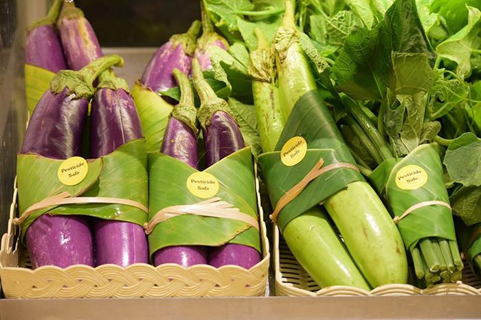 Dieser Supermarkt nutzt Bananen-Blätter statt Plastik