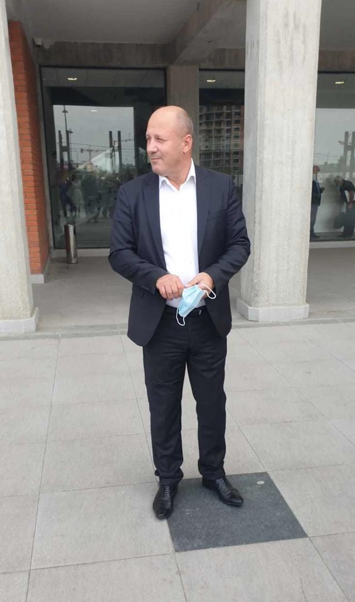 """Bivši izabranik Ljupke Stević SE POJAVIO NA SUDU, Jedno je sve vreme KRIO, a onda iznenadio: """"Dođite kod mene na bazen!"""""""