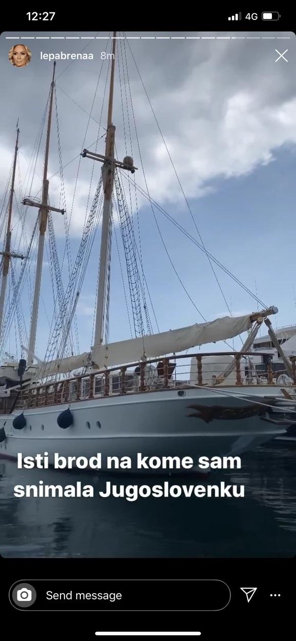 Lepa Brena