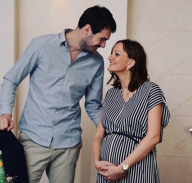 Aleksandra, Miloš i beba na putu