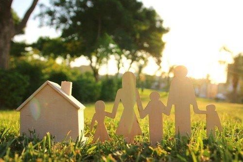 Način na koji odrastamo i u odnosu na to kakav odnos imamo sa roditeljima u velikoj meri utiče na naše partnerske odnose kasnije