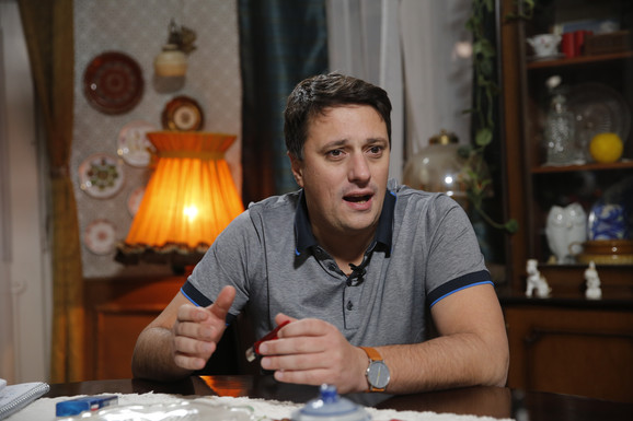 """""""Plaćao sam stan 200 evra, a PLATA MI JE BILA 210"""": Andriji Miloševiću kolege pravile doručak i nalazile poslove kako bi preživeo!"""