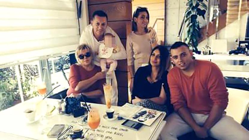 Šako Polumenta sa suprugom Vesnom i ostatkom porodice
