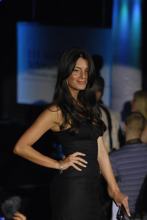 Lepa brineta na modnoj reviji u Beogradu 2009.godine