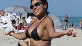 Zjawiskowa gwiazda telewizji w bikini