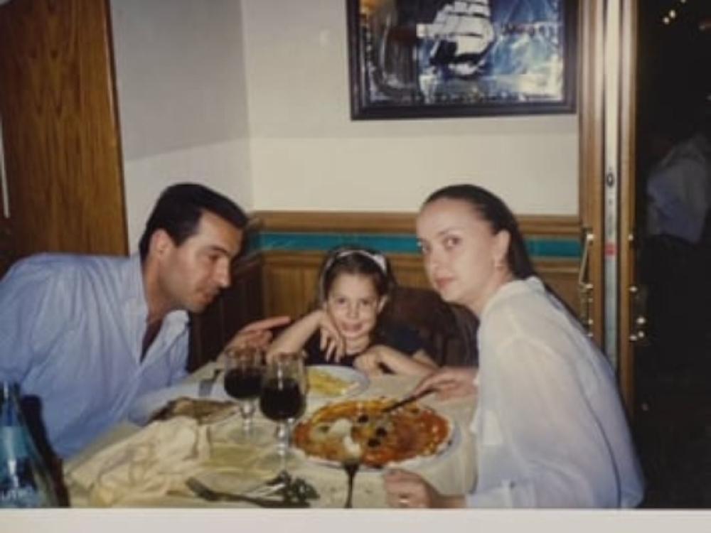 Prepoznajete li devojčurka sa slike? Ona nas je predstavljala na Evroviziji, a danas je obožava cela Srbija!
