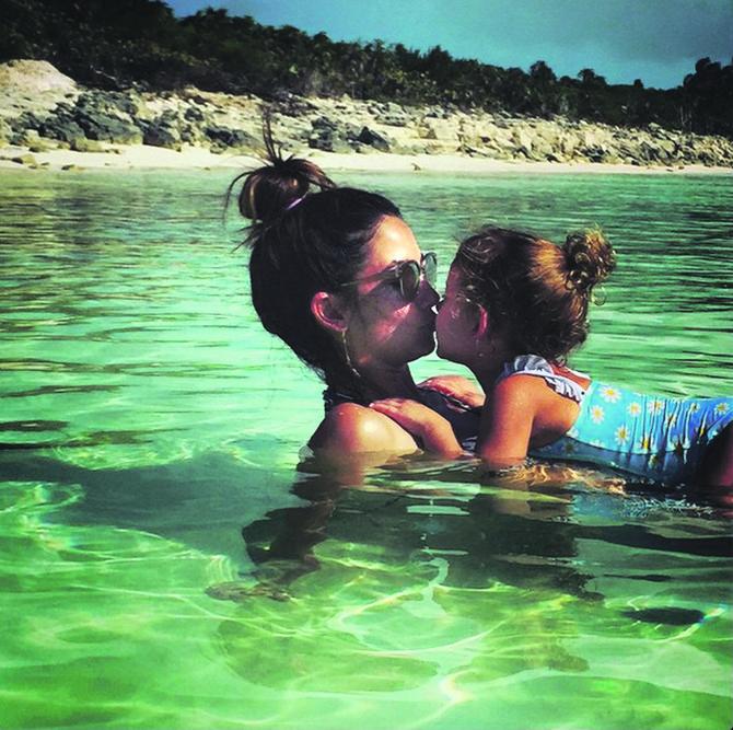 Lili Oldridž sa ćerkom