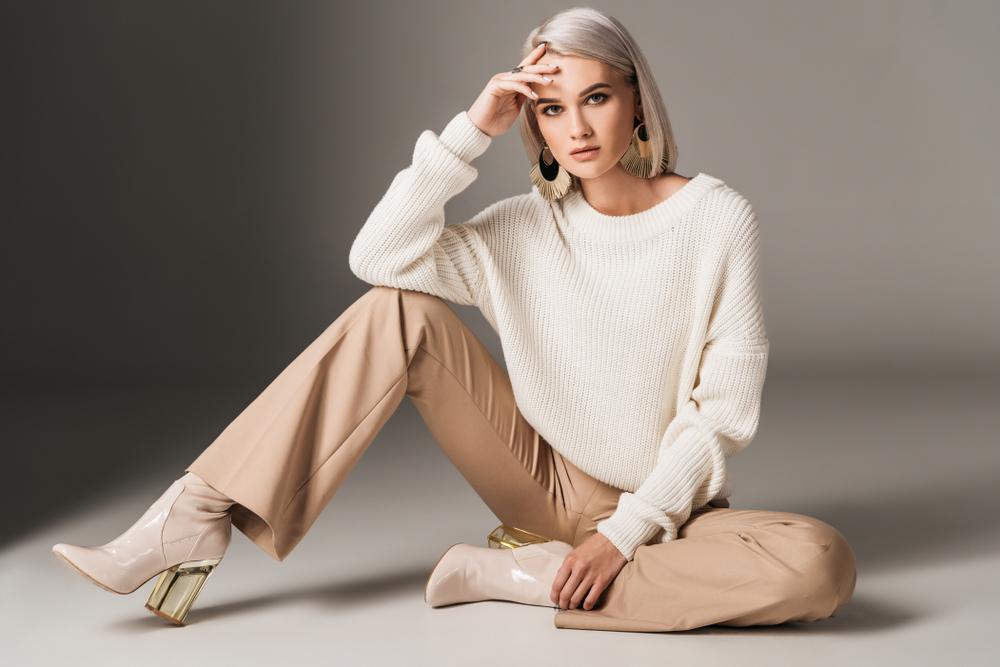 ac10c15b098bd2 Spodnie z szerokimi nogawkami - jak je nosić zimą? - Kobieta