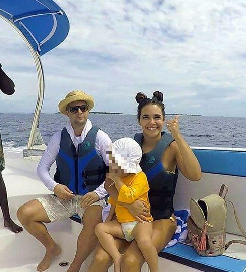 Bojan Vasković sa suprugom i ćerkom na letovanju