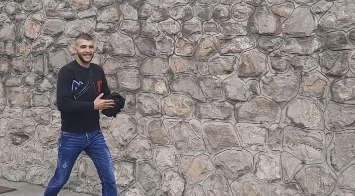 Spremio nosiljku i balone: Veljko danas izvodi ženu Bogdanu i sina Željka iz porodilišta!