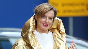 Katarzyna Sokołowska z tą złotą kurtką się nie rozstaje. Którym razem wyglądała lepiej?