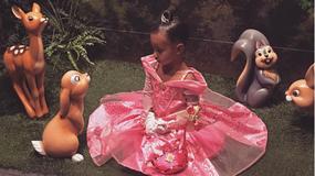 Najlepsze stylizacje córeczki Kim Kardashian