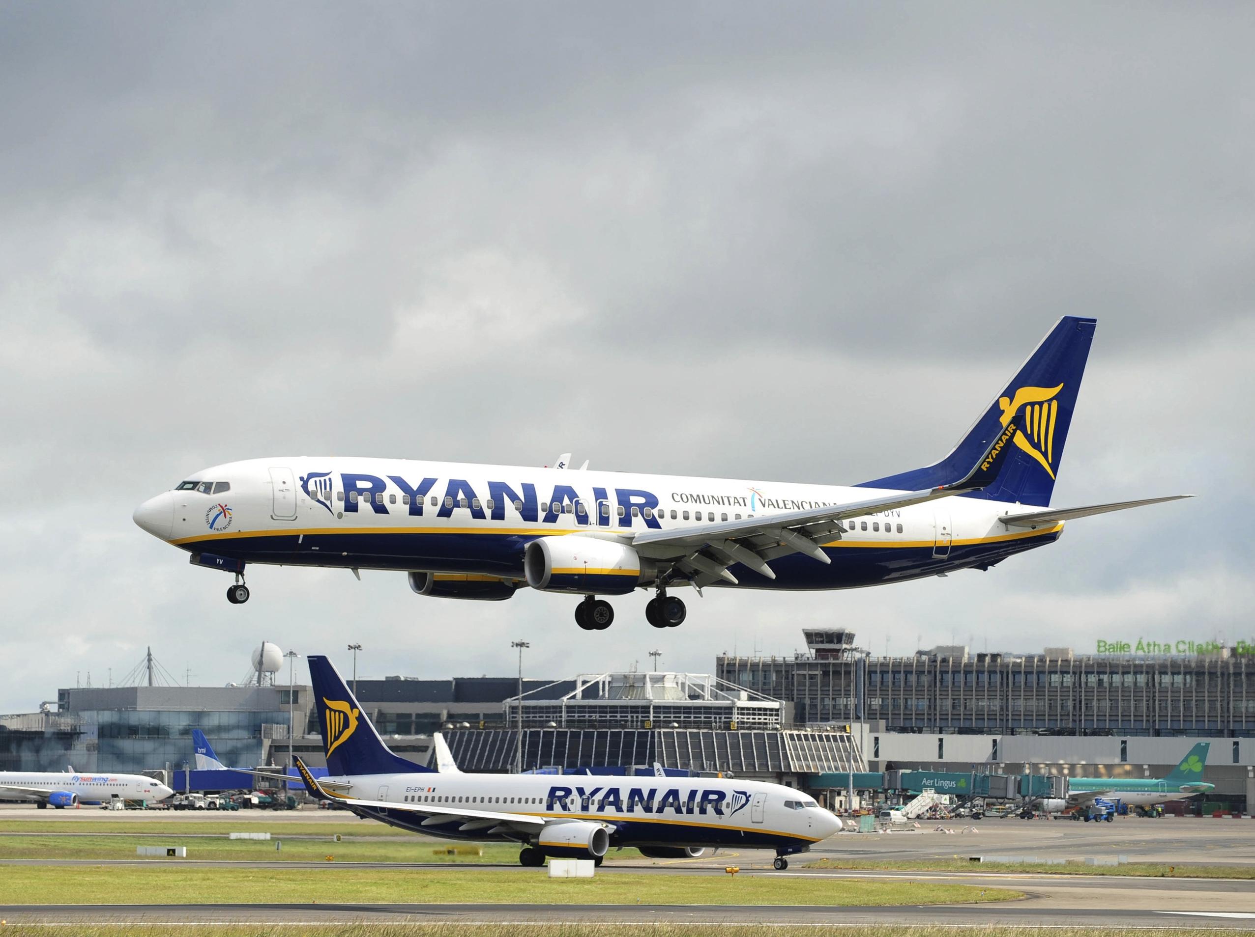 Ryanair otworzył bazę na lotnisku Kraków-Balice - Forsal.pl – Biznes,  Gospodarka, Świat