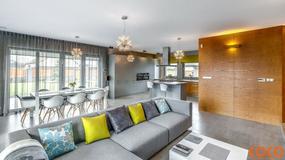 Dom w szarościach i świetle - nowoczesny i przytulny. Projekt nagrodzono w Plebiscycie Polska Architektura XXL