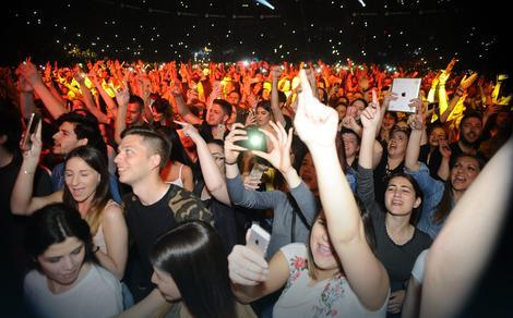 Atmosfera na koncertu Ace Lukasa