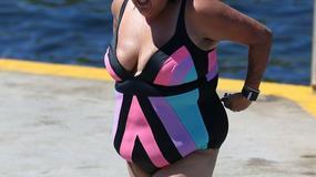 PRELIVA SA SVIH STRANA Poznata pevačica je šokirala svojim izgledom u kupaćem kostimu, a ima SAMO 29 GODINA