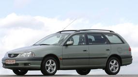 Mercedes klasy C, Nissan Primera, Toyota Avensis i VW Passat: cztery sposoby na tanie kombi