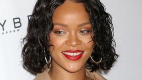 Rihanna w okropnej stylizacji na gali. Co ona na siebie założyła?!