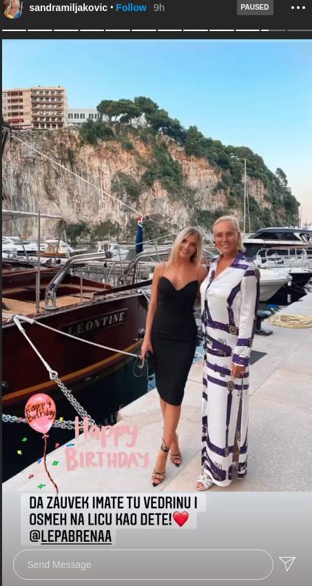 Aleksandra i Sandra čestita Breni rođendan