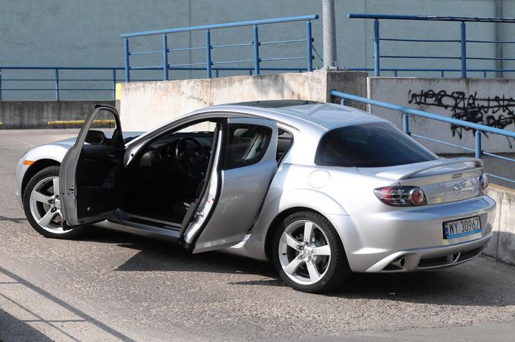 Mazda RX-8: Generator kosztów czy adrenaliny? - Auto Świat