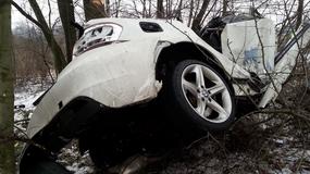 BMW rozpadło się na kawałki. Prędkościomierz zatrzymał się na 250 km/h