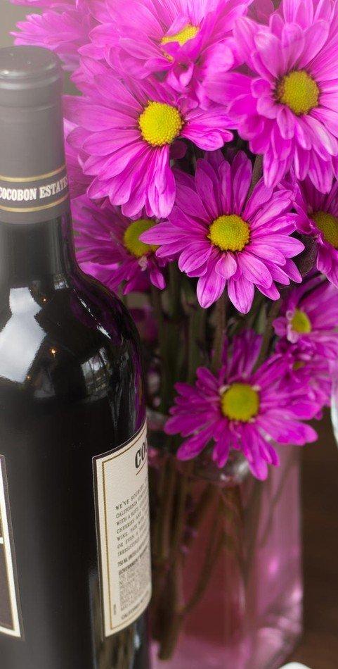 Cveće za domaćicu i vino za domaćina najčešći su slavski pokloni