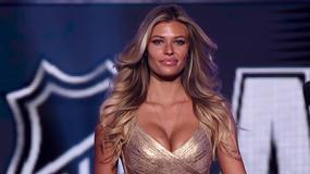Seksowna modelka zaszalała z dekoltem na gali NHL