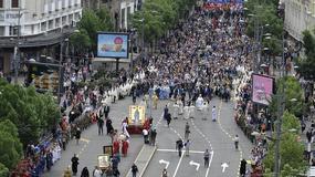 Stotine vernika na ulicama Beograda u Spasovdanskoj LITIJI