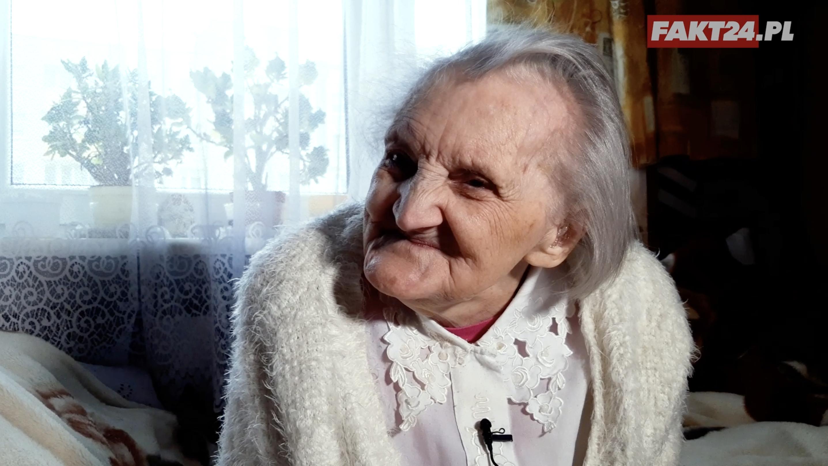 Niewidoma Staruszka Recytuje Wiersz I Prosi Podziel Się