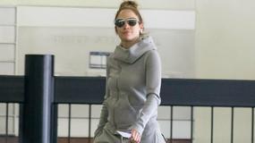 Jennifer Lopez w bardzo luźnych w spodniach