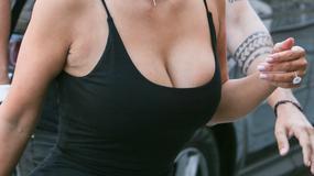 Kim Kardashian w czarnej mini. Niezły widok