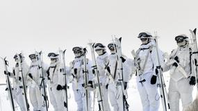 Rusi su potrošili MILIONE na osvajanje Severnog pola, ali njihovi vojnici imaju NAJNEOBIČNIJE SREDSTVO ZA PREVOZ (FOTO)