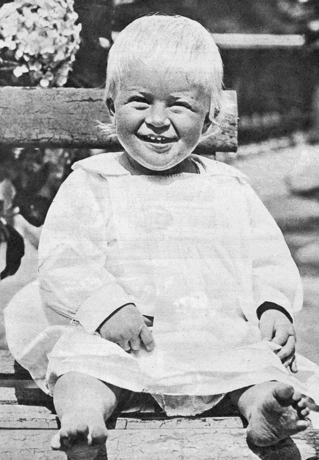 Princ Filip kao beba 1922 godine