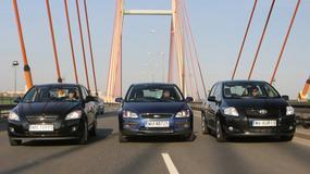 Ford Focus kontra Kia cee'd i Toyota Auris: czy każdy sposób na oszczędzanie jest dobry?