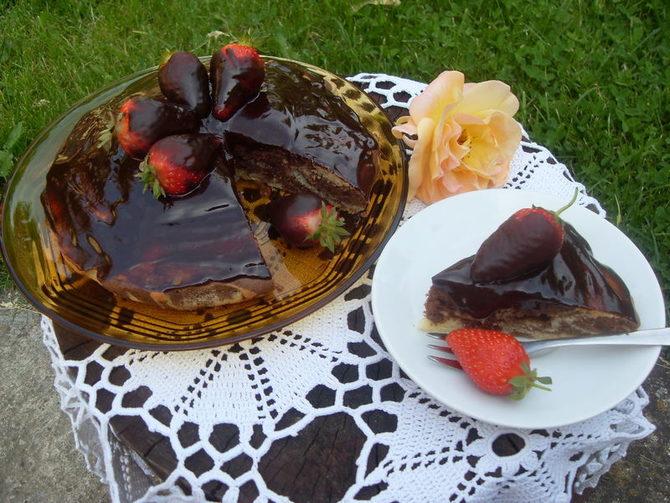 Mramorni kolač sa jagodama je odličan uz popodnevnu kafu