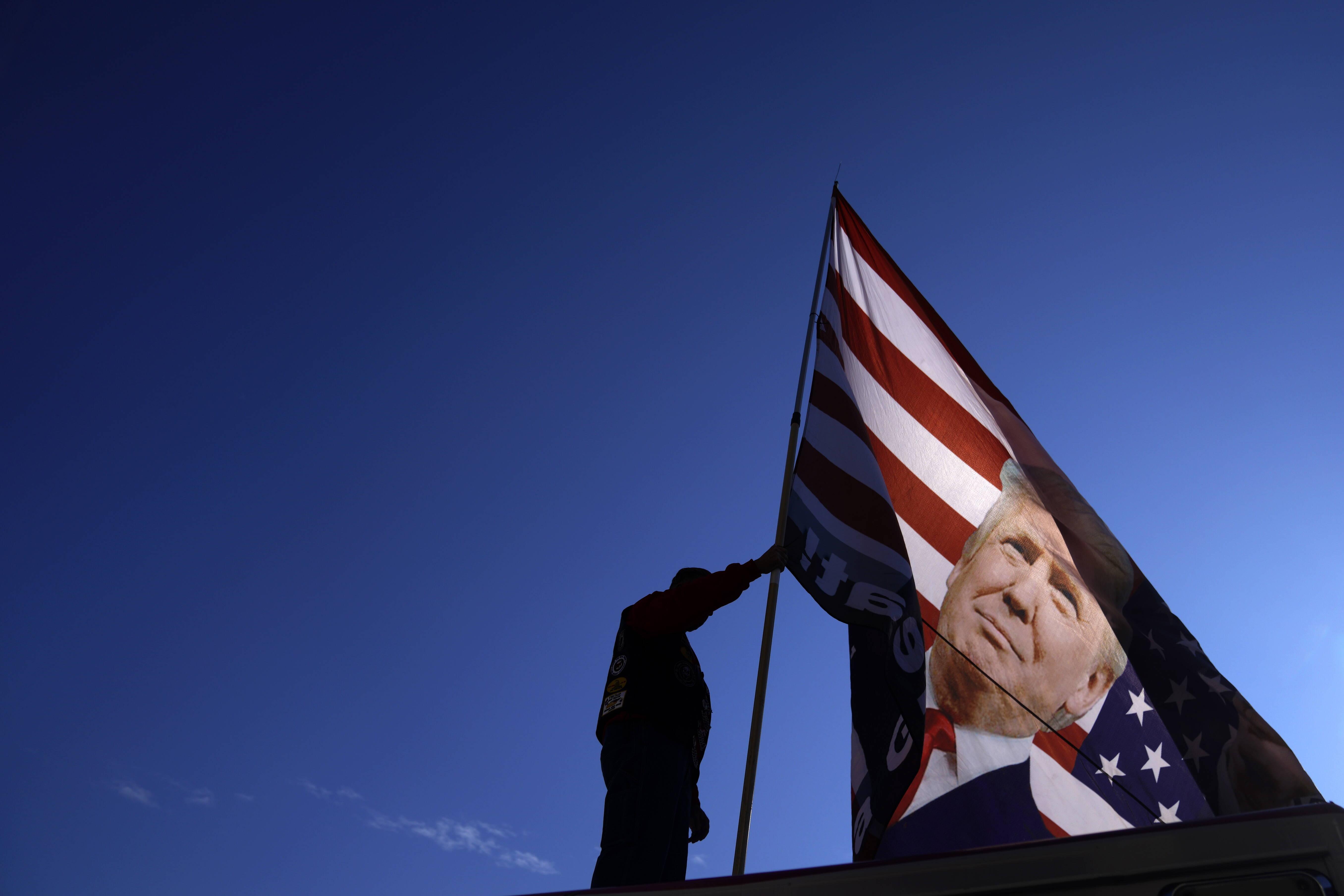 Joe Biden wygrał głosowanie elektorów. Choć Trump do końca próbował nim manipulować
