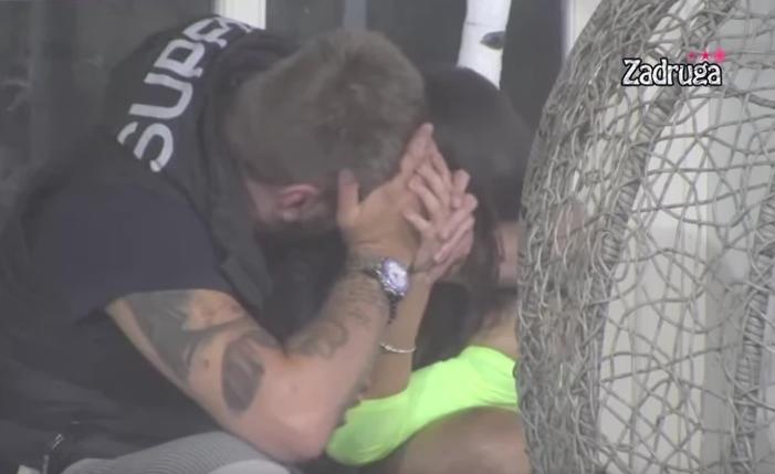 Maja i Janjuš se poljubili, pa završili u krevetu: Kamera sve zabeležila!