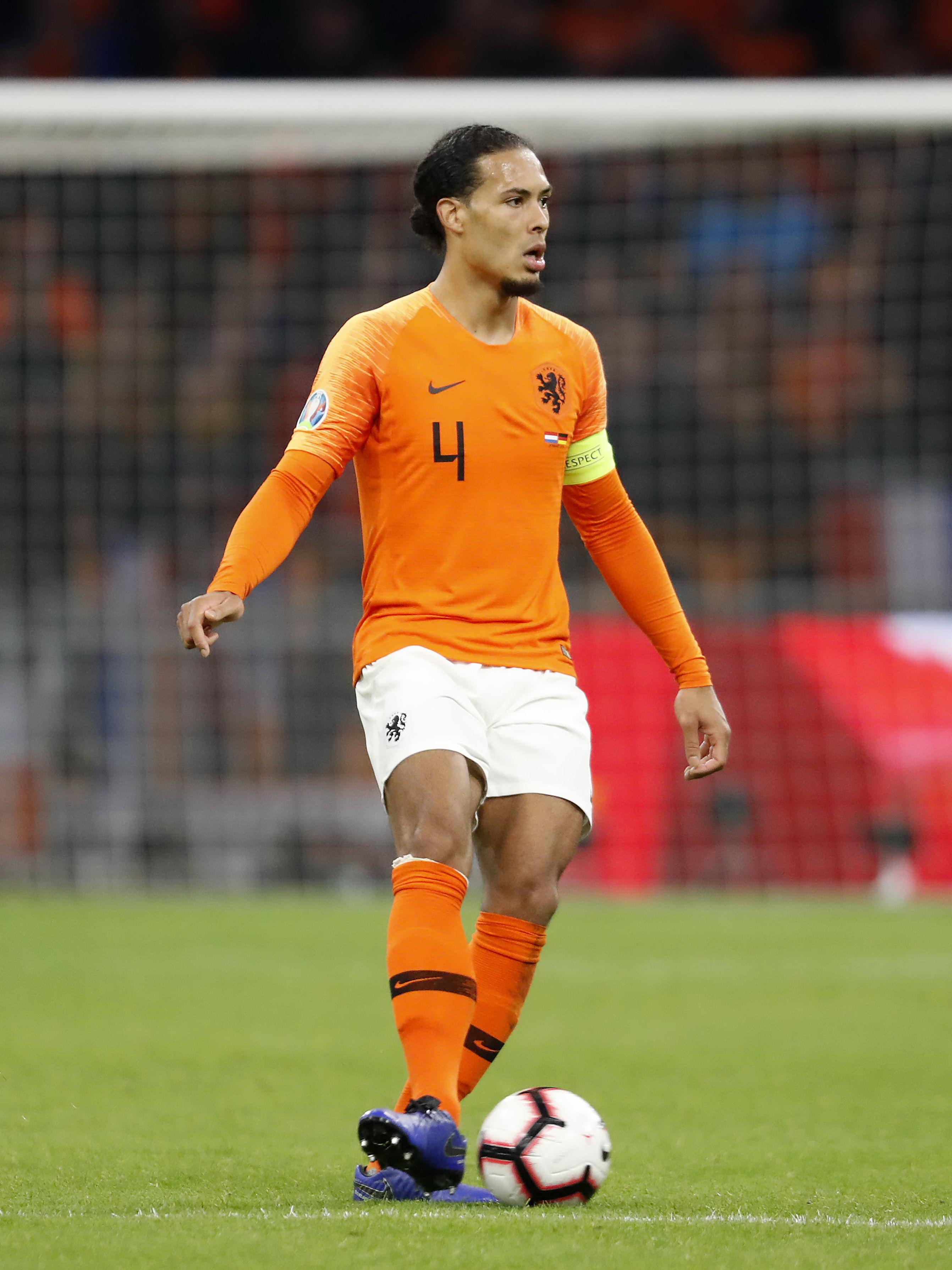 Virgil van Dijk remekelt a Liverpoolban, most holland mezben is trófeáért küzd/ Fotó: Getty Images