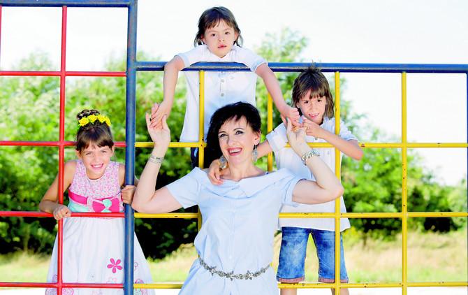 Nevenka Gajić sa decom