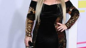 DEFORMISALA SE Nekada jedna od najlepših pevačica, danas izgleda neprepoznatljivo sa OGROMNIM viškom kilograma