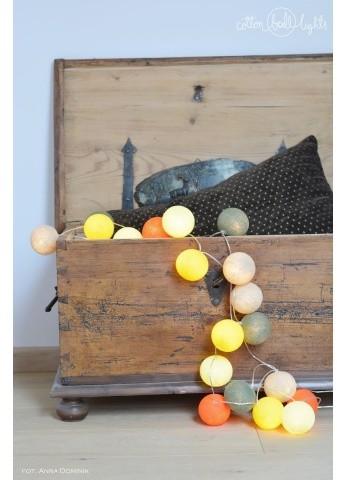 Cotton Ball Lights Kolorowe kulki LED kompozycja - Tierra
