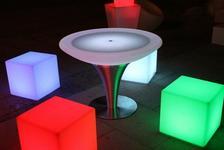 Opinie o MILOO, Lampa ledowa zewn?trzna CUBE 40 cm LAMPA-LED-CUBE-40X40-ZEW