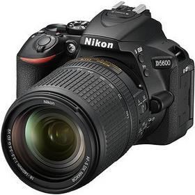 Nikon D5600 + AF-S 18-140 VR