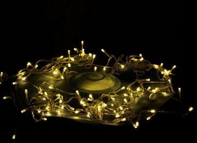 Lampki świetlne emitujące ciepłe, białe światło 100 LED