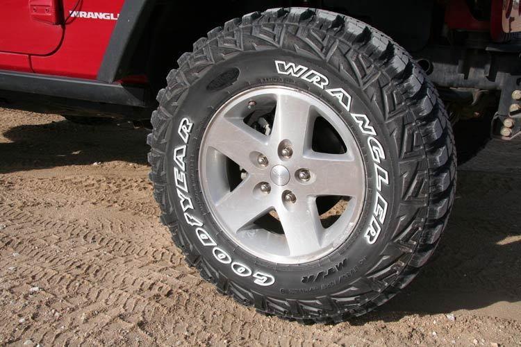 Goodyear Wrangler MT/R 235/70R16 106 Q