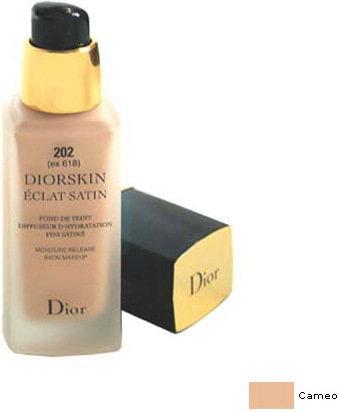Opinie o Dior Christian skin Eclat Satin Moisture Release Satin Makeup 202 Cameo Lekk