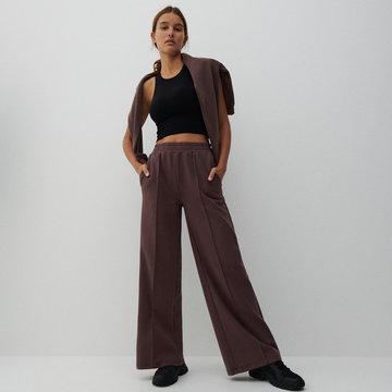Reserved - Szerokie spodnie z kantem - Brązowy