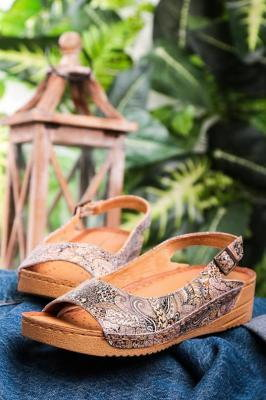 Brązowe sandały Maciejka skórzane na koturnie wzorek 01974-47/00-5